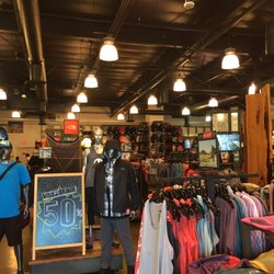 premium selection de7dd 95af5 North Face Outlet Palo Alto, CA - Last Updated September ...