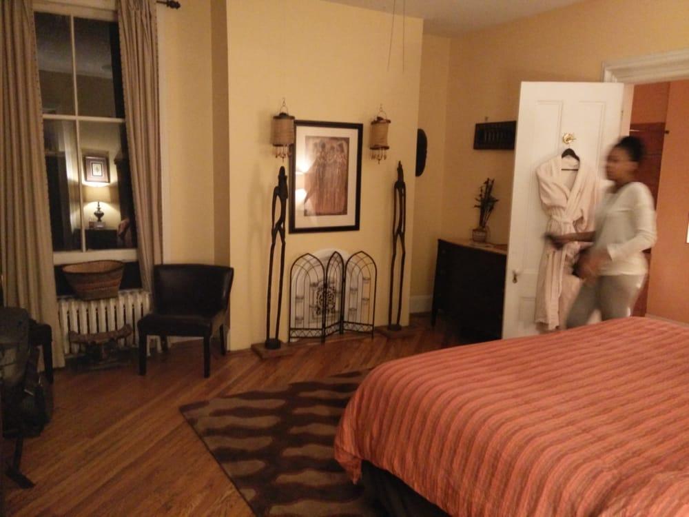 Akwaaba Mansion Bed & Breakfast
