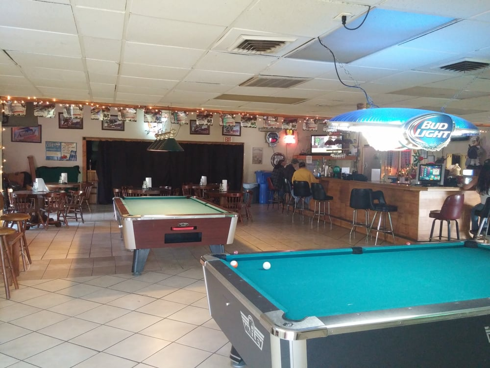 Younguns Sports Bar and Grill: 612 Slater St, Kings Mountain, NC