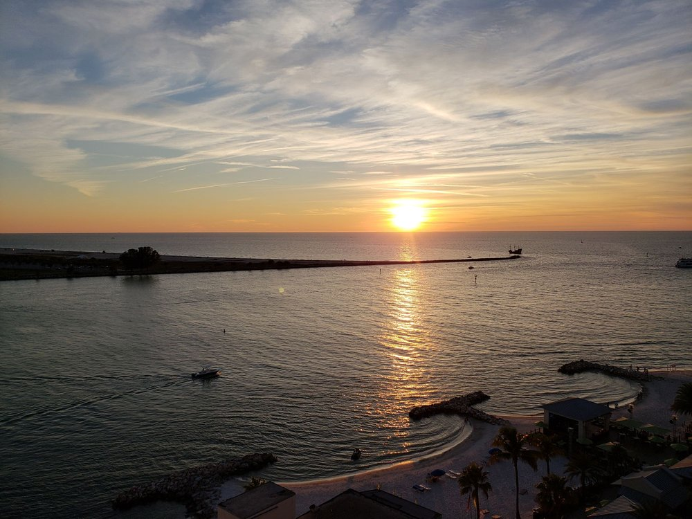 Hampton Inn & Suites Clearwater Beach: 635 S Gulfview Blvd, Clearwater Beach, FL