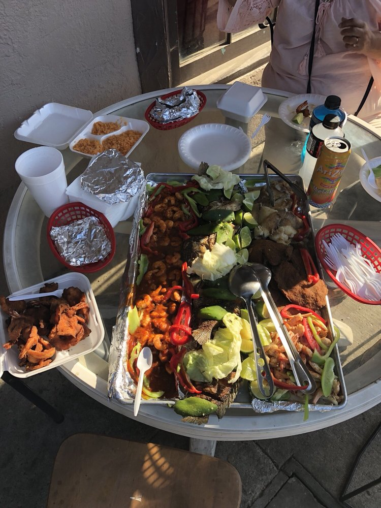 La Morena Market: 1656 Fir Ave, Solvang, CA