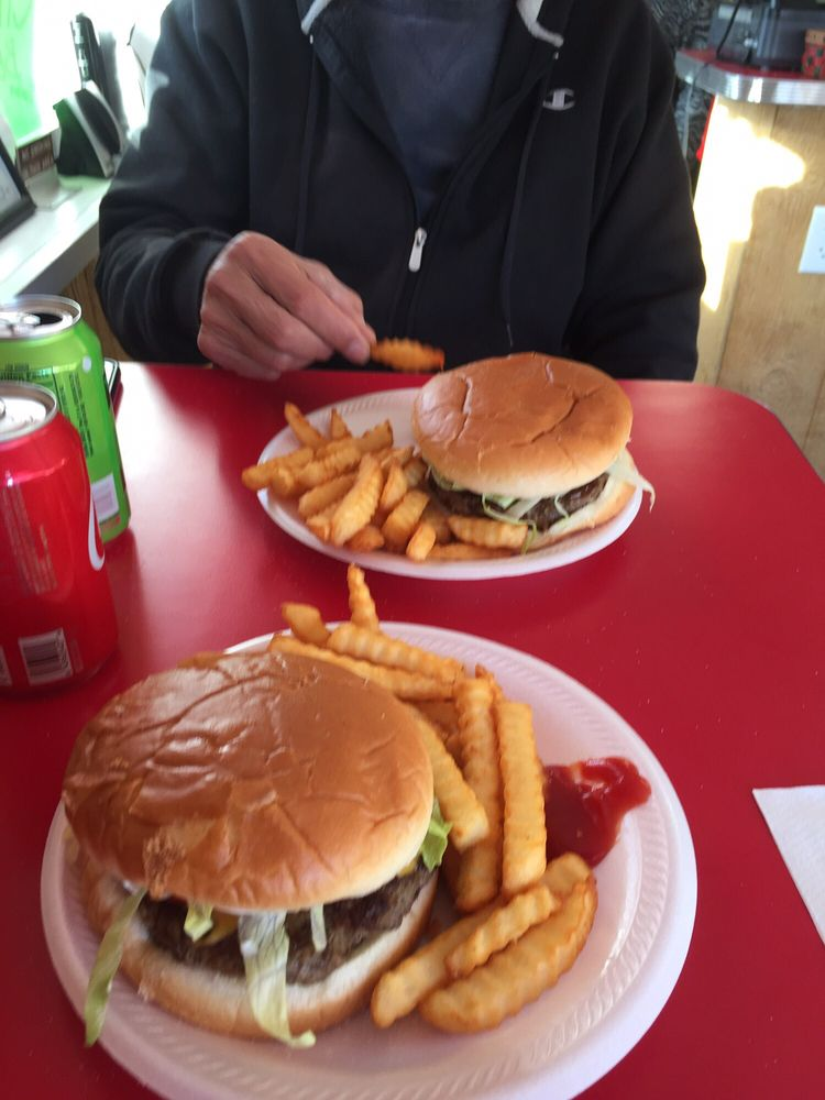 Photo of Hank's Drive In: Radford, VA