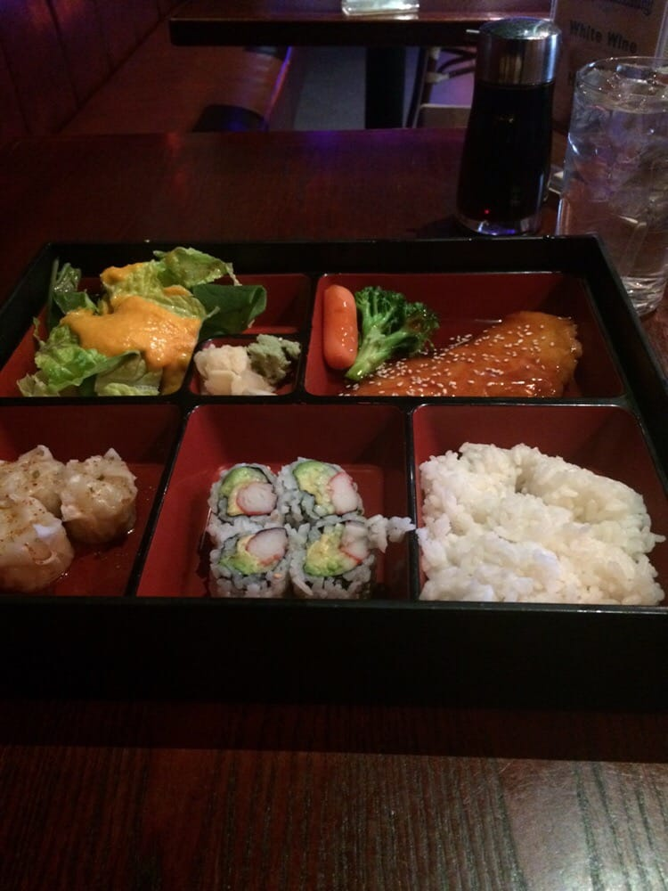 Potluck 11 photos 47 reviews asian fusion for Aura thai fusion cuisine new york ny
