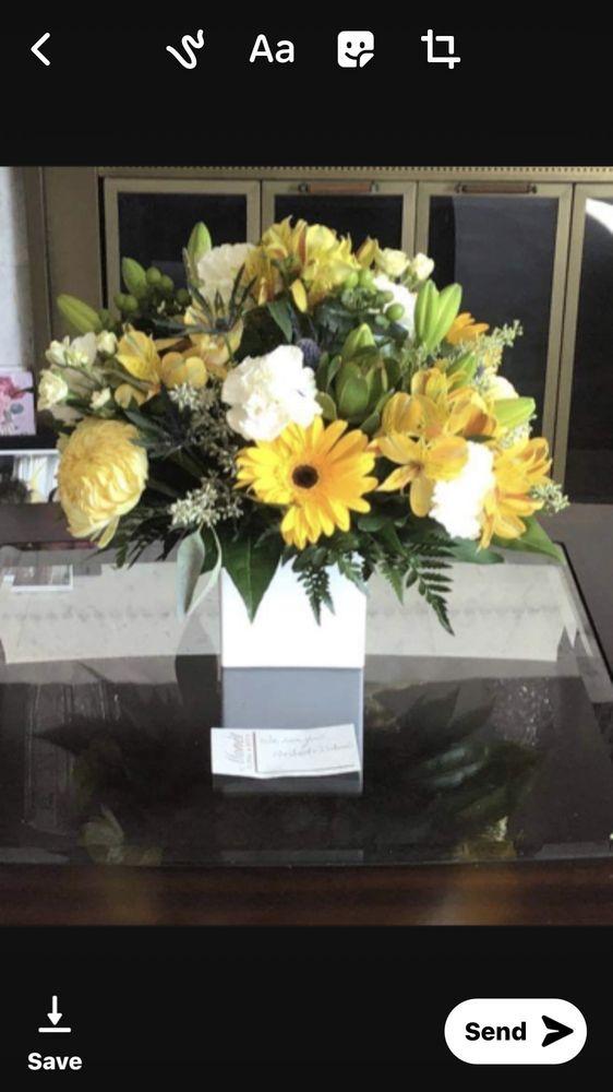 Monet Floral: 509 Main St, La Crosse, WI