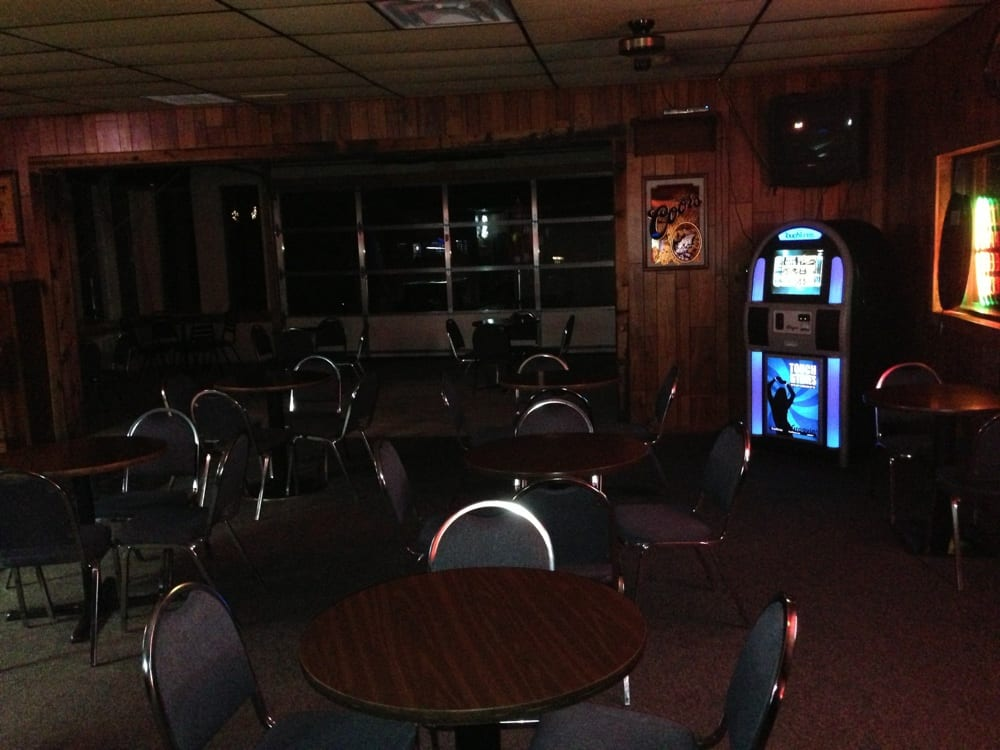 Park Tavern: 196 E Lake, Lawton, OK