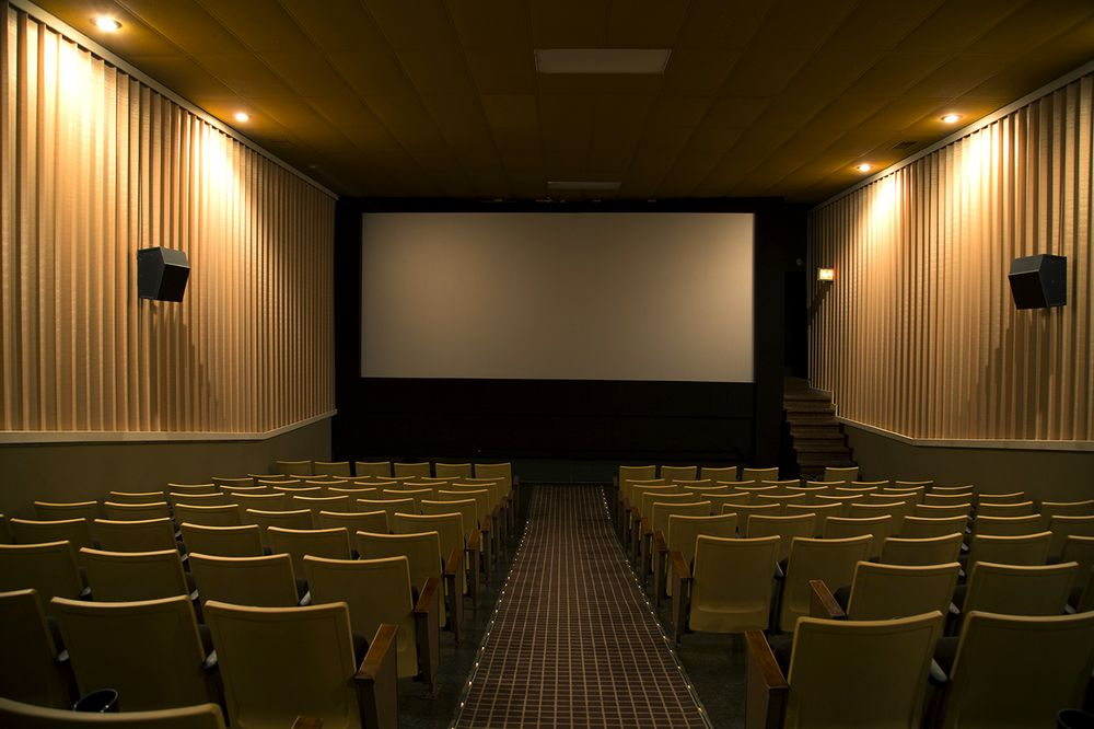 Grand 3 Theatres & Video Warehouse: 1031 Central Ave, Estherville, IA