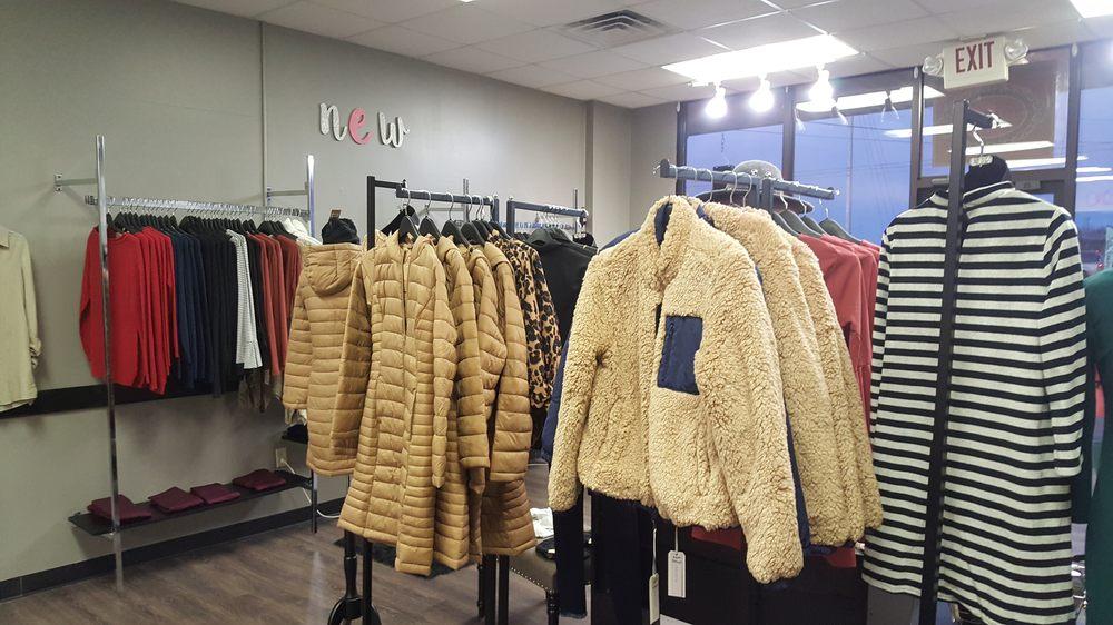 Bellaboo Boutique: 1287 N Ellington Pkwy, Lewisburg, TN