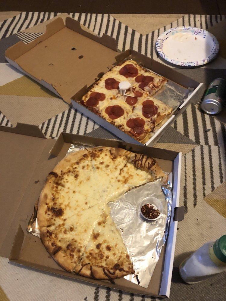 Vito's Pizza & Restaurant: 104 Park Blvd, Clarksburg, WV