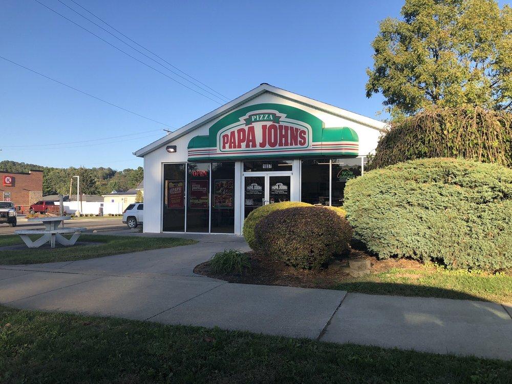 Papa John's Pizza: 1037 N. Water Street, Uhrichsville, OH