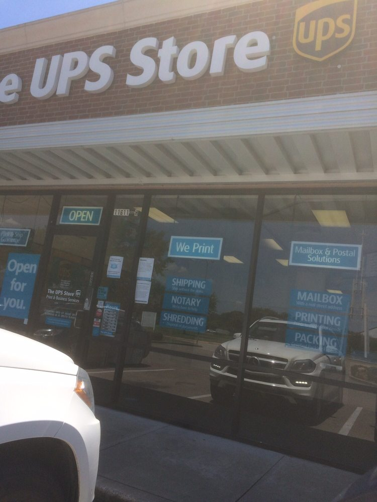 The UPS Store: 11611 W Airport Blvd, Meadows Place, TX
