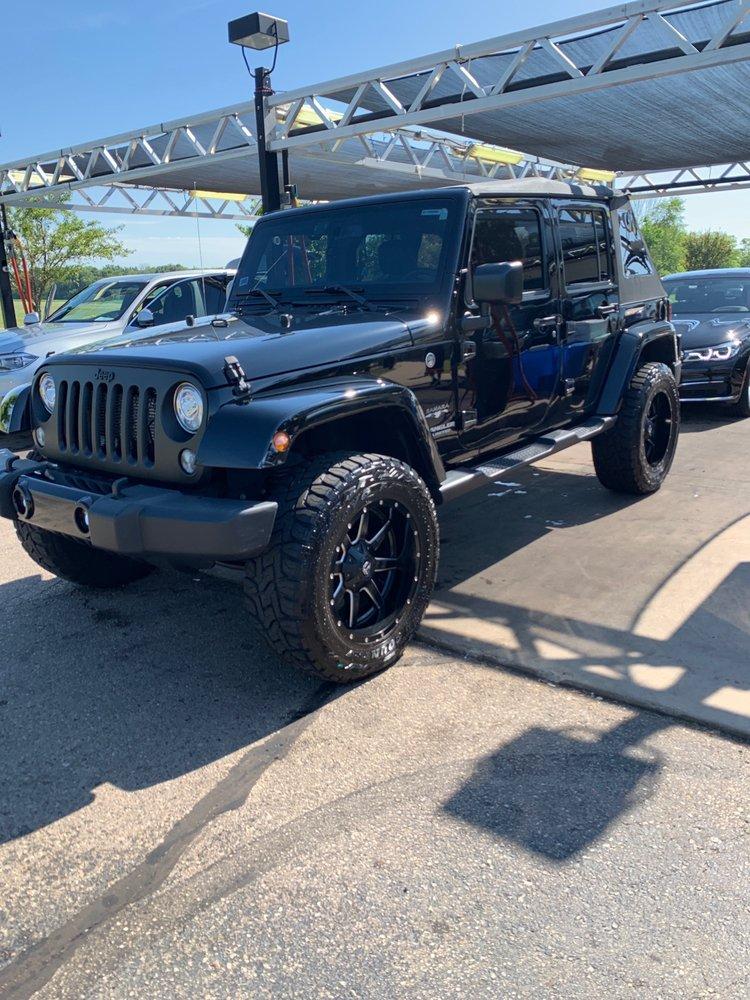 Melges Car Wash: 1100 Edwards Blvd, Lake Geneva, WI