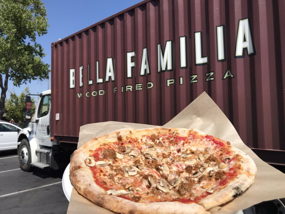 Bella Familia Wood Fired Pizza