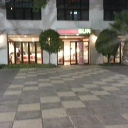 Foto de Outlet Muebles Sur - RM Santiago, Chile. Lugar para estacionamiento en el Outlet de Muebles Sur