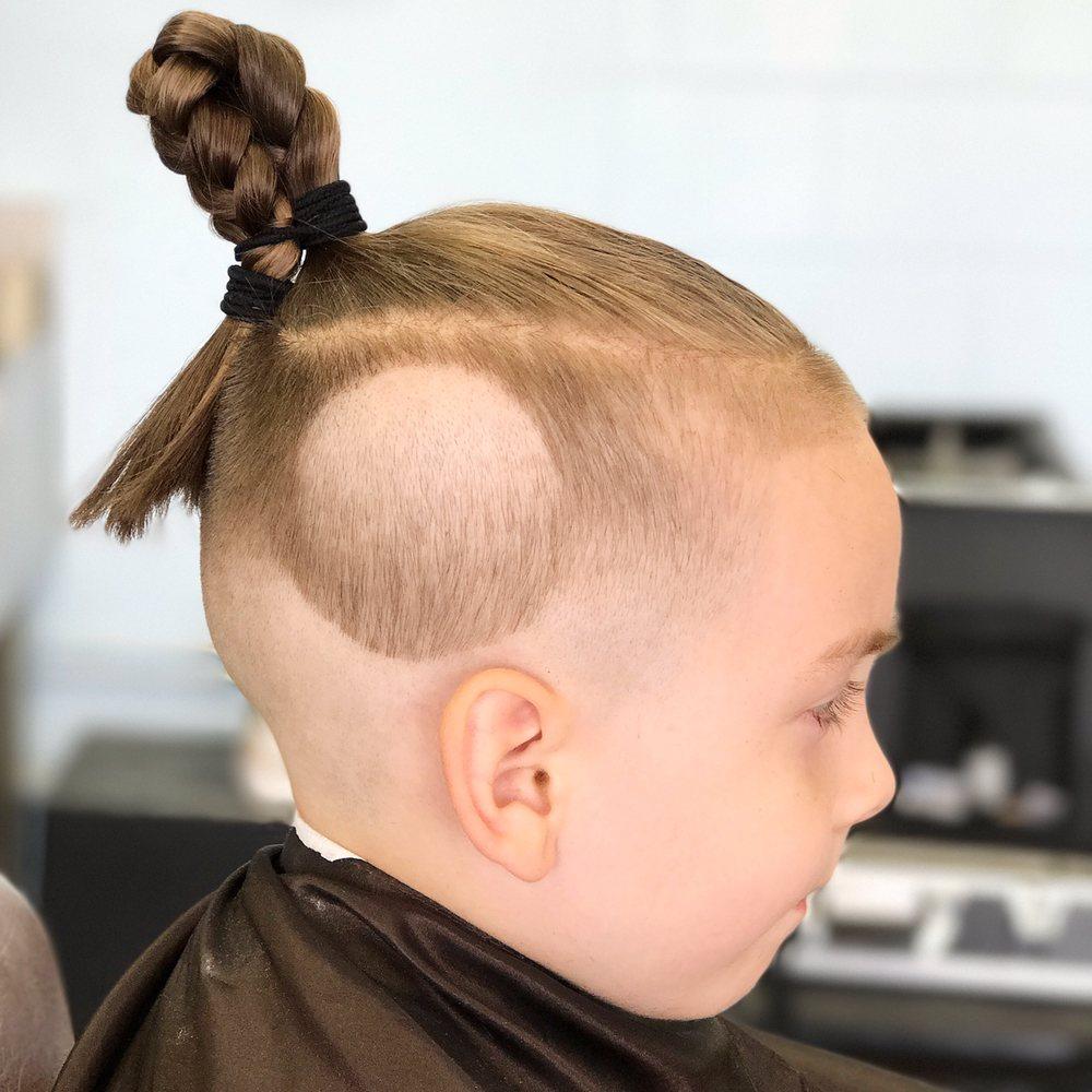 Inman Barbershop: 2579 1/2 W Ramsey St, Banning, CA