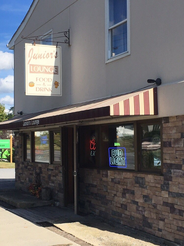 Junior's Lounge: 504 Salt Point Tpke, Poughkeepsie, NY