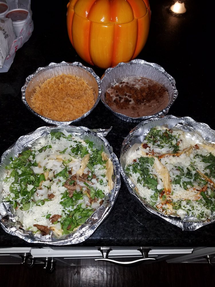 Forasteros Mexican Food: 201 W 4th Ave, Caney, KS