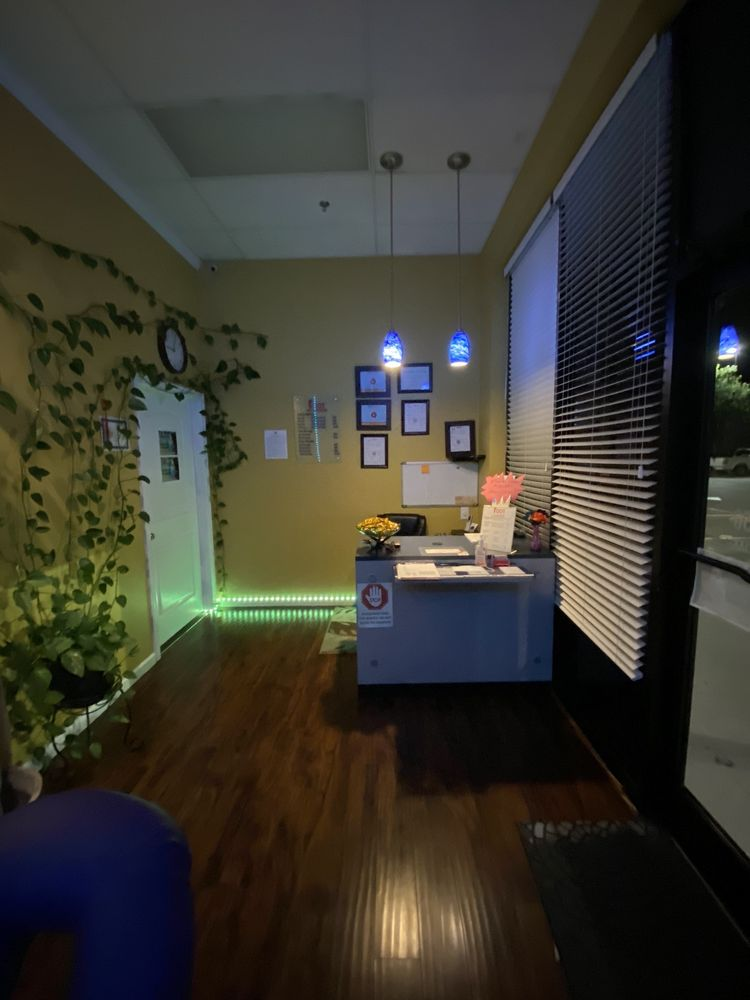 Foot Joy massage: 1055 SW Wilshire Blvd, Burleson, TX