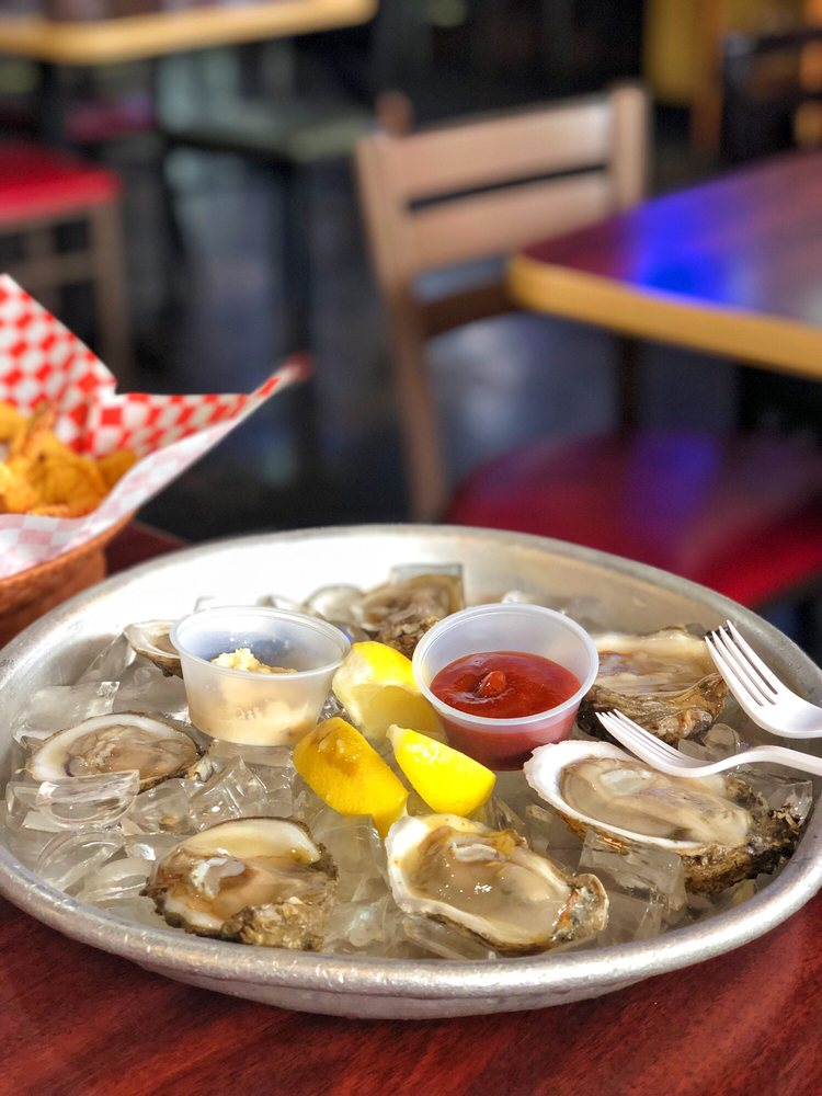 Fish N Tails Oyster Bar: 1320 N Central, Plano, TX