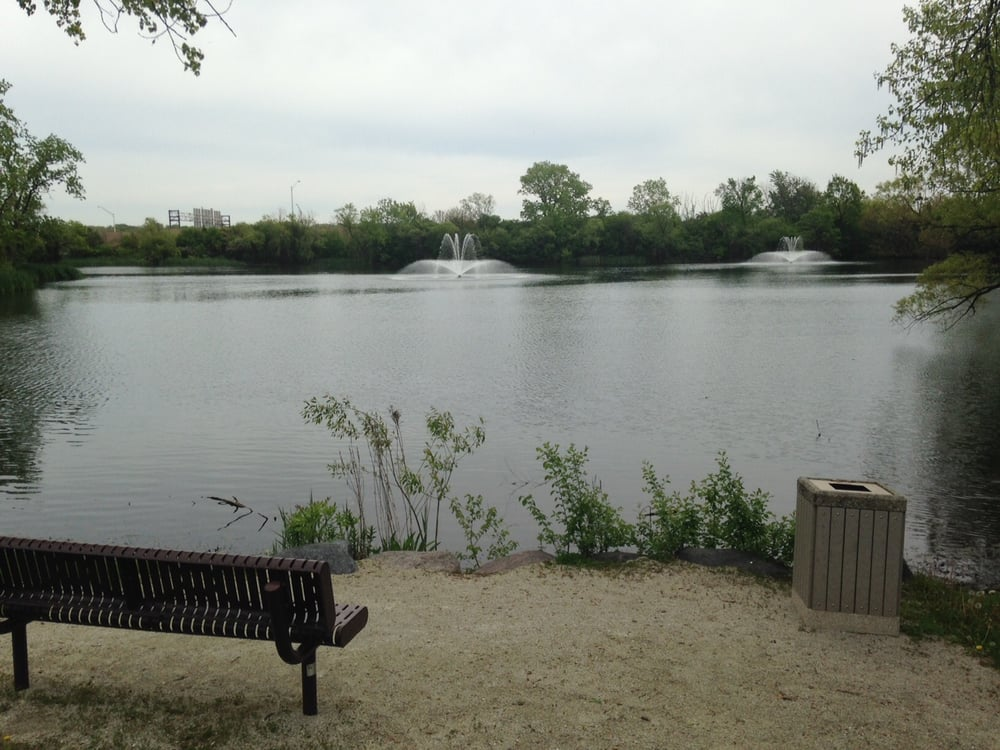 Lake Carriage Way Park: Carriage Way Dr And Stirrup Ln, Burr Ridge, IL
