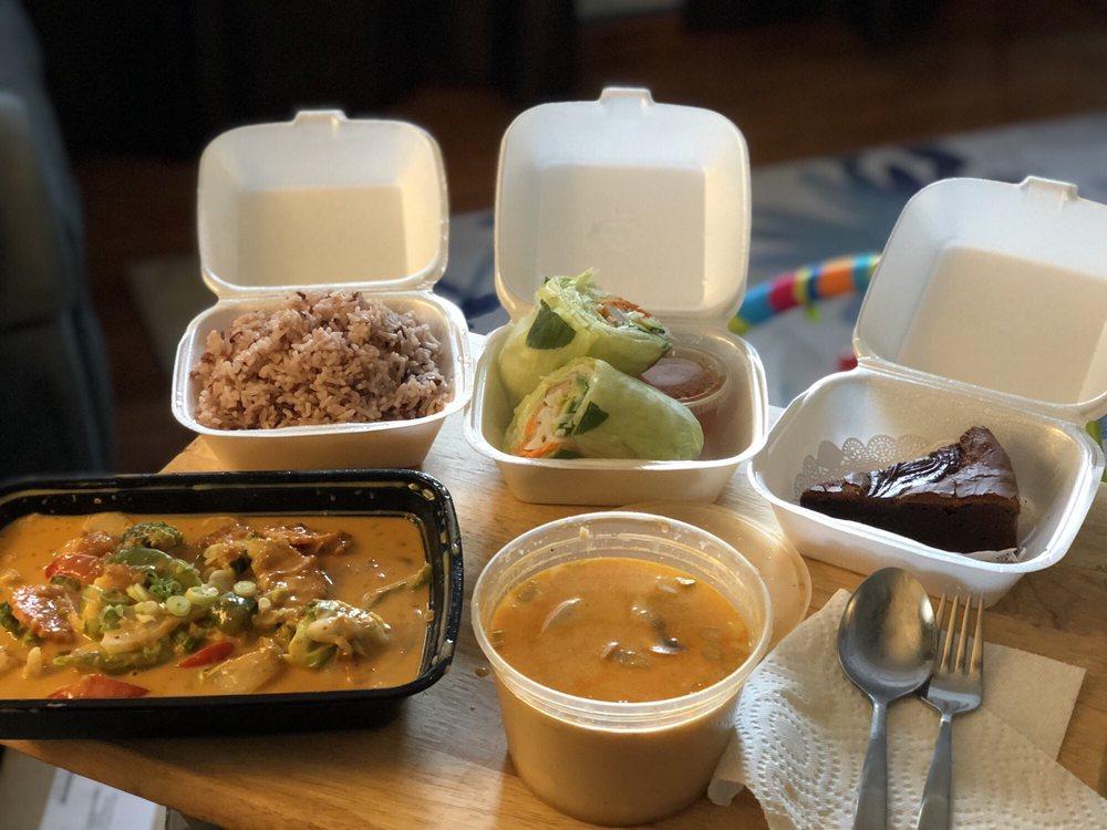 Veggie Thai Cafe: 3690 E Bay Dr, Largo, FL