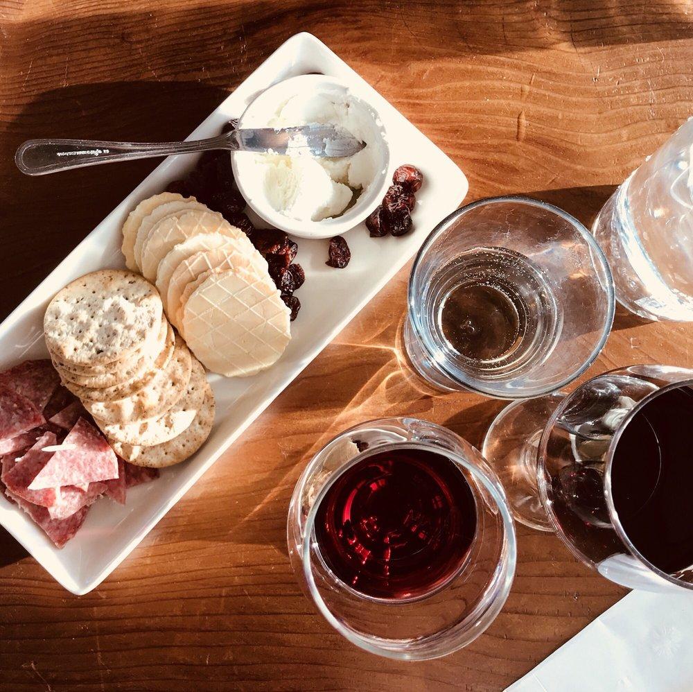 Vino Locale Wine Bar & Tapas