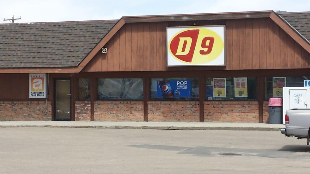 D-9: 102 S Main, Cascade, ID