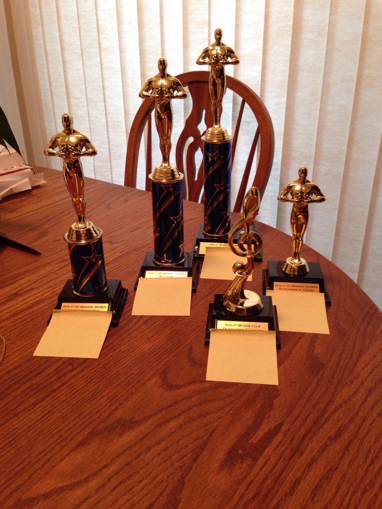 Just Right Awards & Engraving: 3201 NE Broadway St, Portland, OR