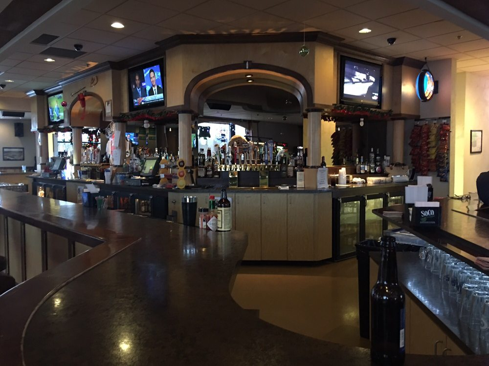 Lazy Dogs Sports Bar & Grill: 1441 Arbor Way, Freedom, WI
