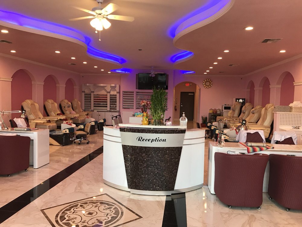 VIP Nails & Spa: 4713 E State Rd 44, Wildwood, FL
