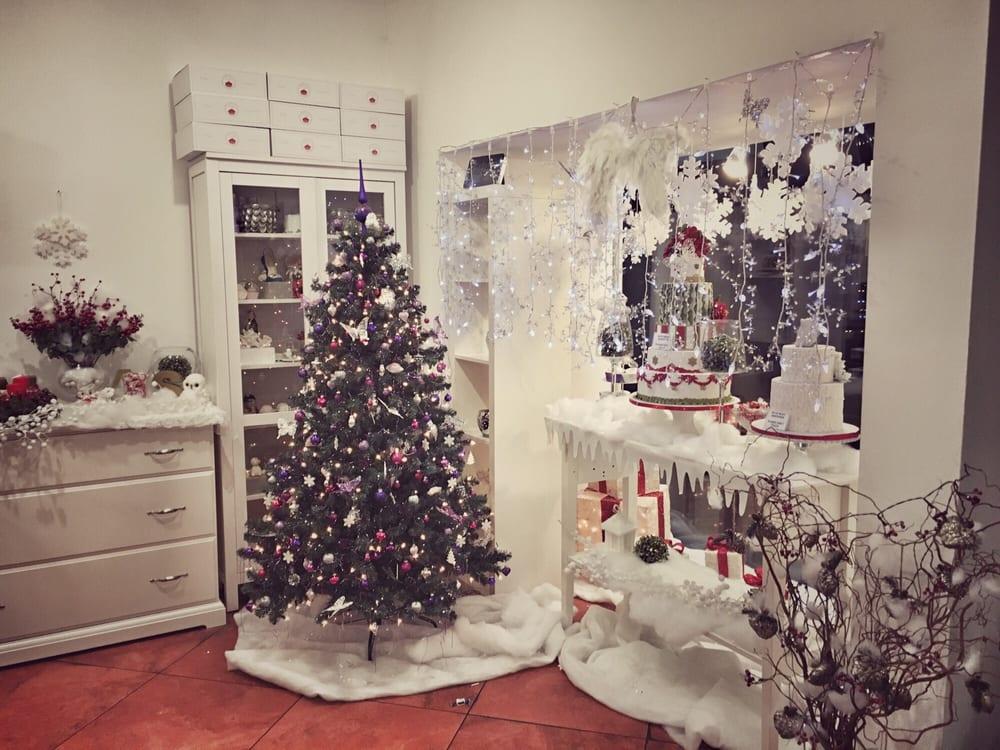 Weihnachtsdeko österreich.Weihnachtsdeko Macht Stimmung Für Wartende Kunden Yelp