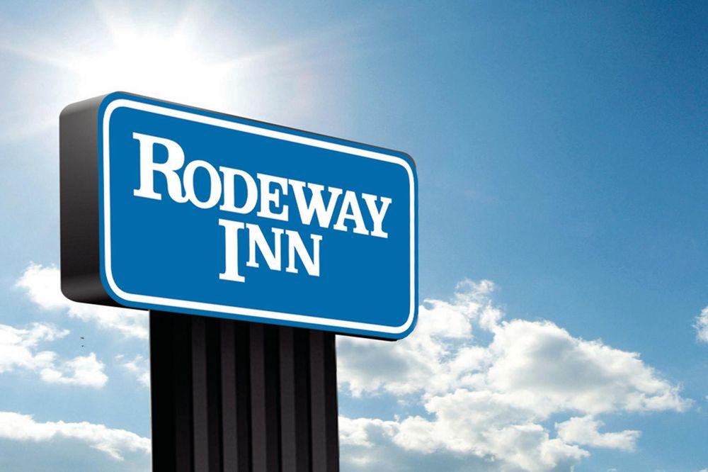 Rodeway Inn: 801 S Main St, Plankinton, SD