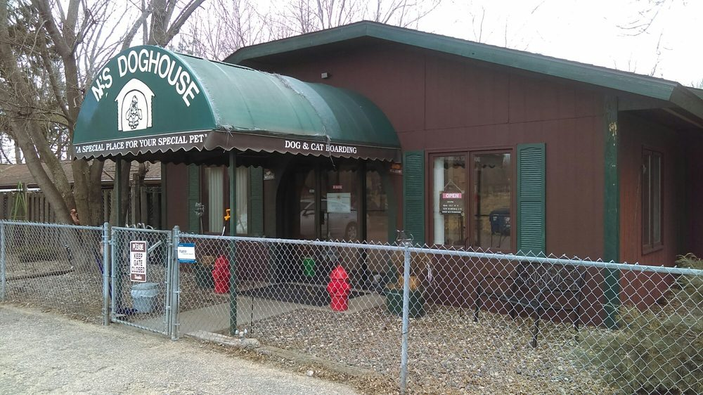 NC's Doghouse Inc: 1692 Hwy 23 E, St. Cloud, MN