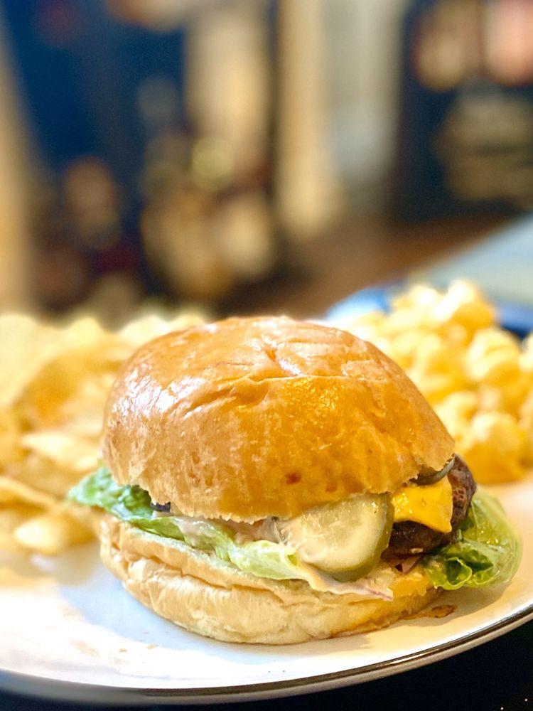 Caskade Kitchen & Bar: 182 Remsen St, Cohoes, NY