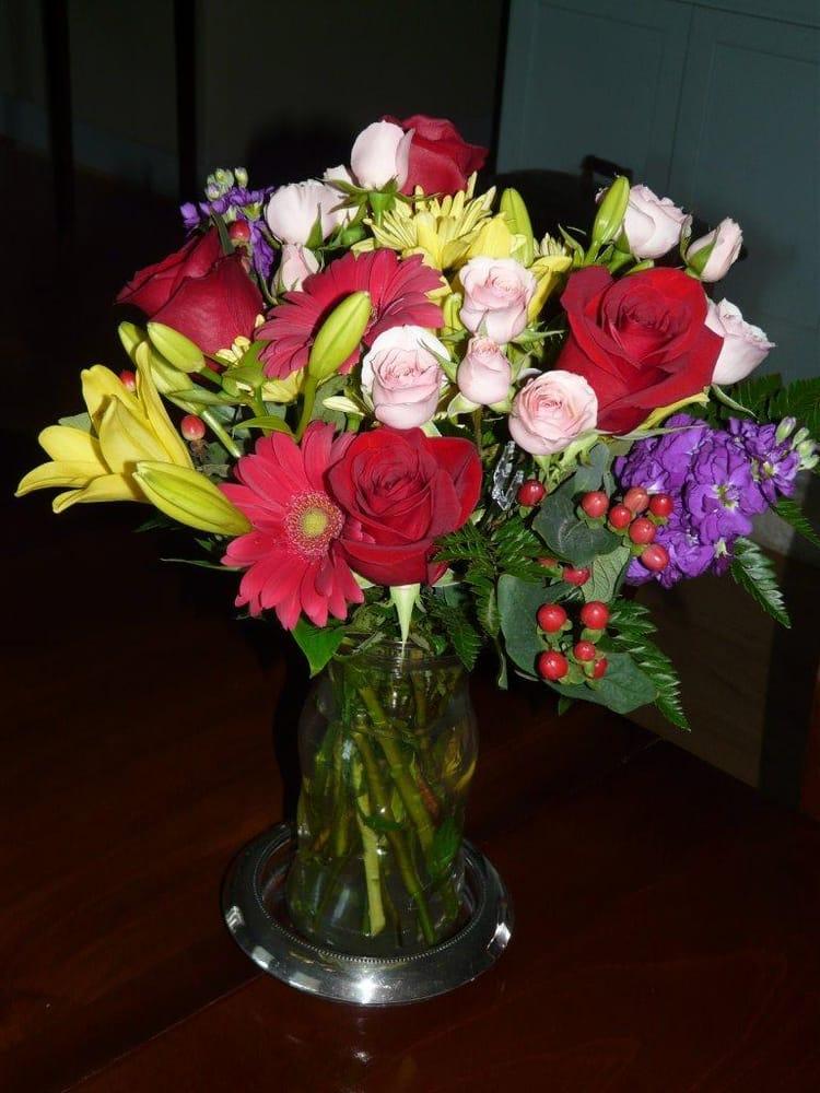 Bellville Florist: 205 S Tesch, Bellville, TX