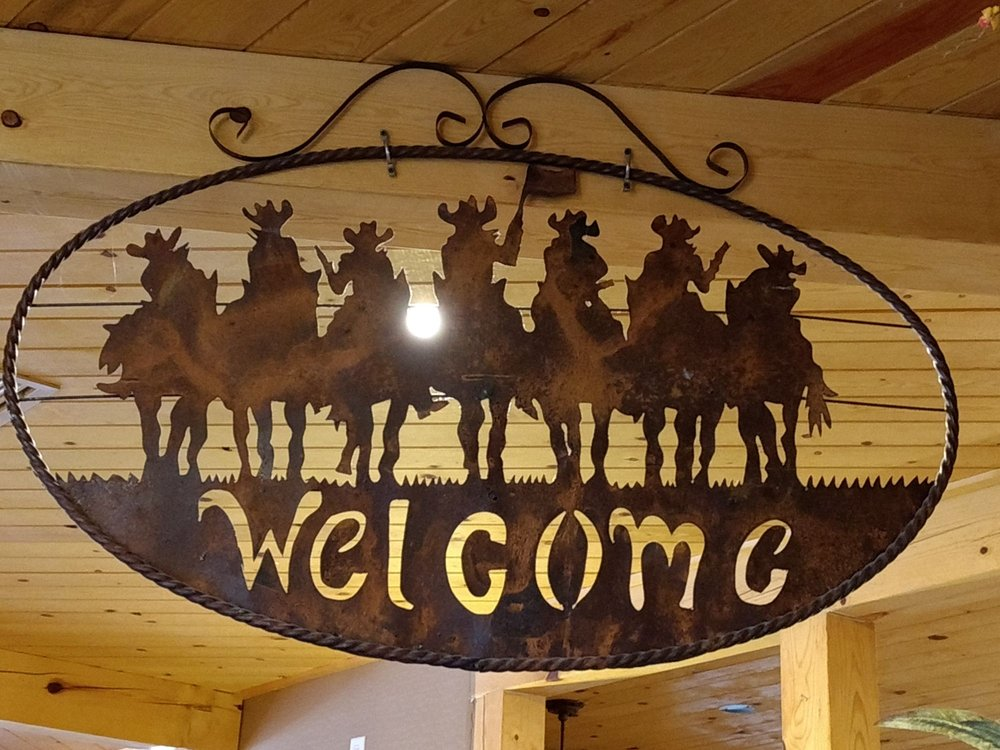 Trail Riders Restaurant: 140 N Main St, Eagar, AZ