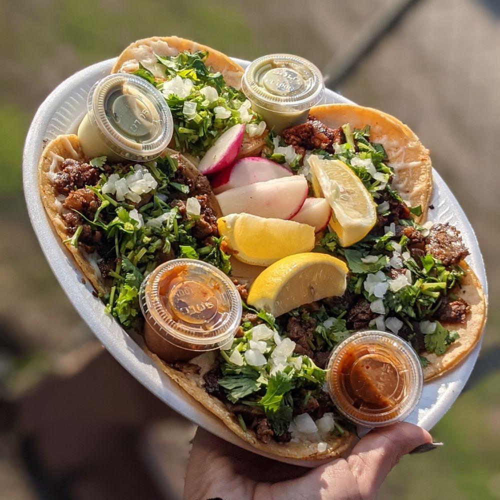 Chuys Tacos Y Taquizas