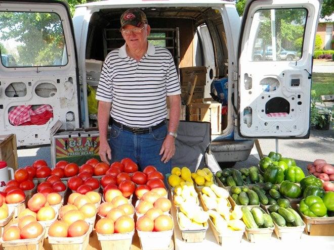 Barnesville Farmers Market: 315 Thomaston St, Barnesville, GA