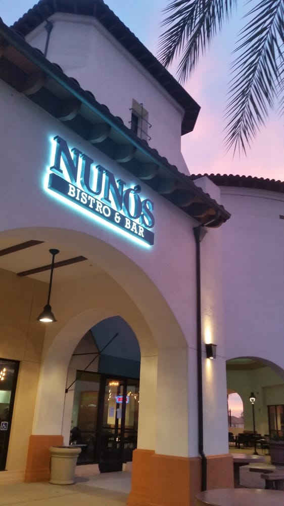Nunos Bistro & Bar: 2440 W Arrow Rte, Upland, CA