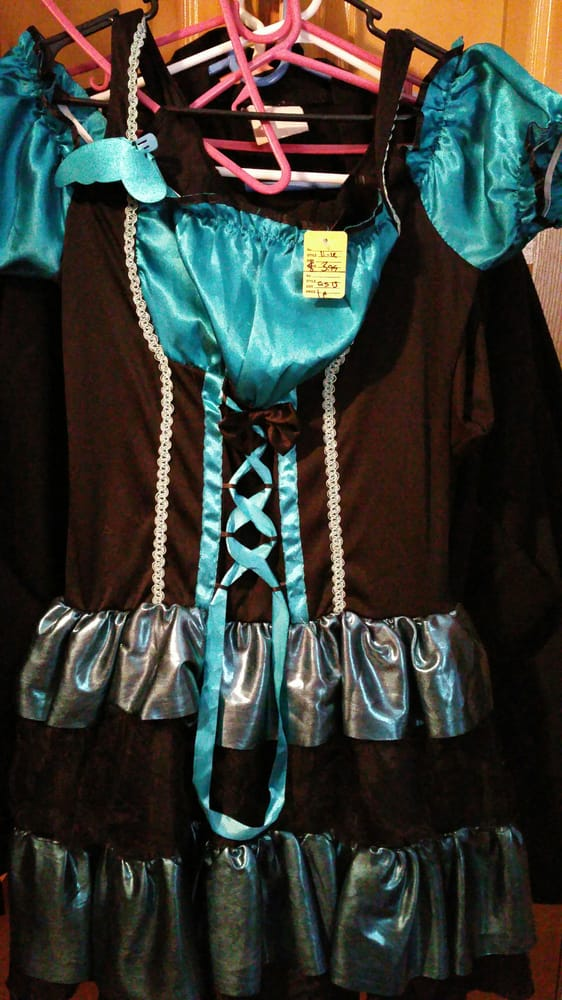 Sunday's Best Thrift Shop: 5960 Atlantic Blvd, Maywood, CA