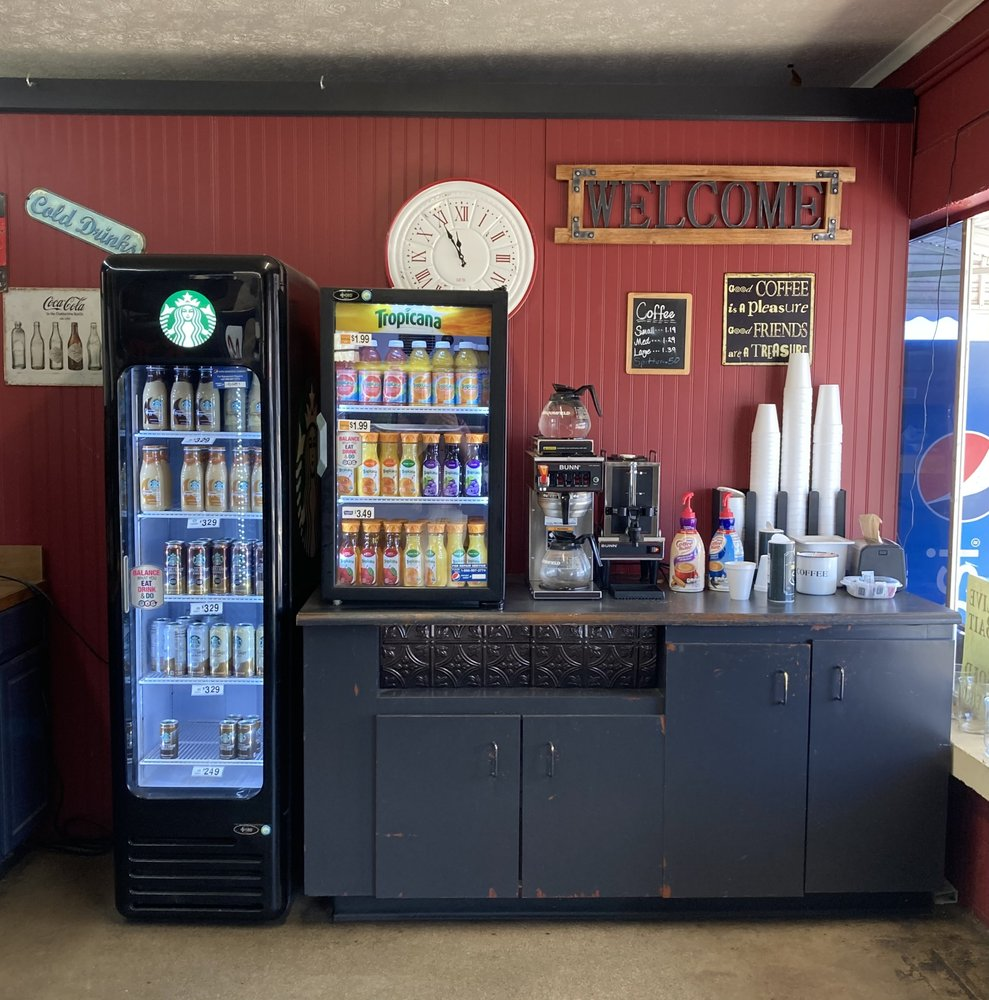 Bybee Market: 1554A Highway 160, Bybee, TN