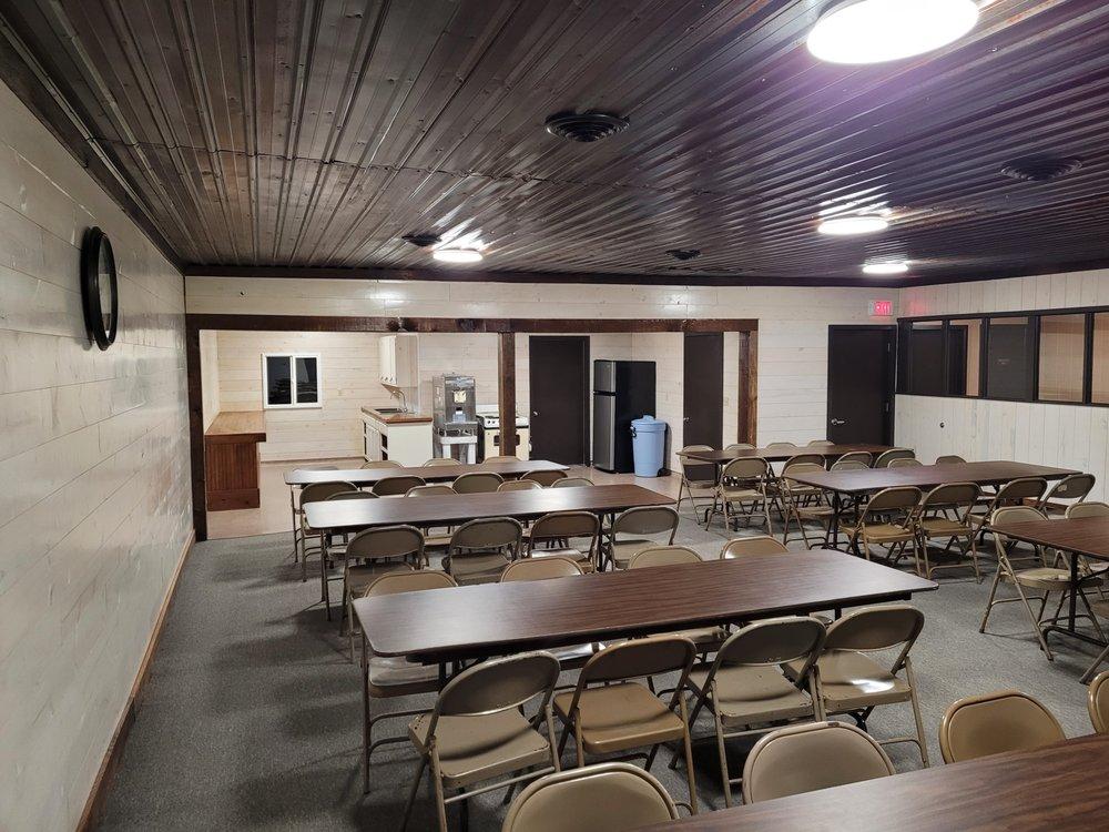 Sycamore Springs Resort: 3126 Bittersweet Rd, Sabetha, KS
