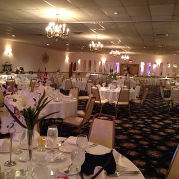 Birchwood Banquet Party Center Caterers 7540 Northfield Rd