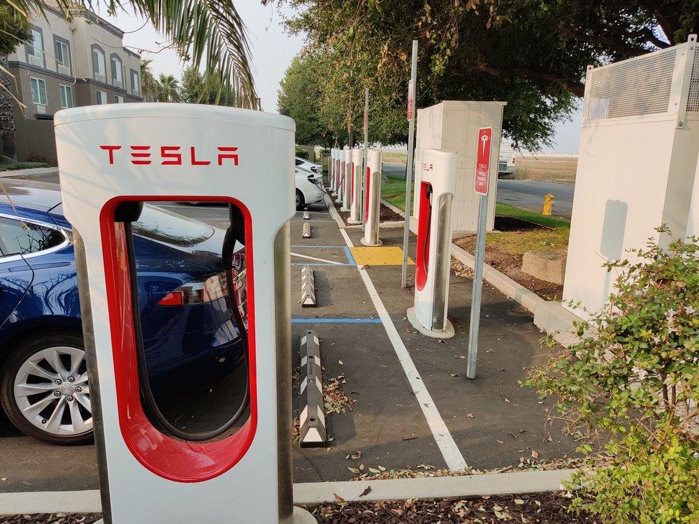 Tesla Supercharger: 2959 Speno Dr, Patterson, CA