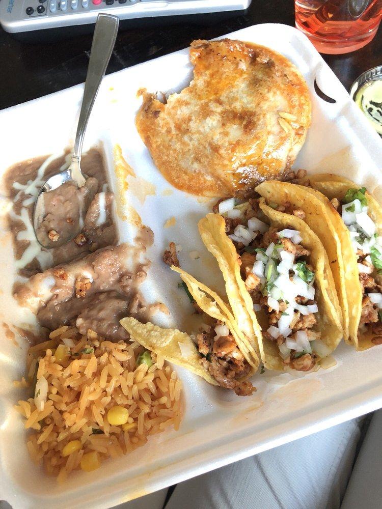 Taqueria El Palomino: 3630-3970 Farm To Market 2181, Lake Dallas, TX