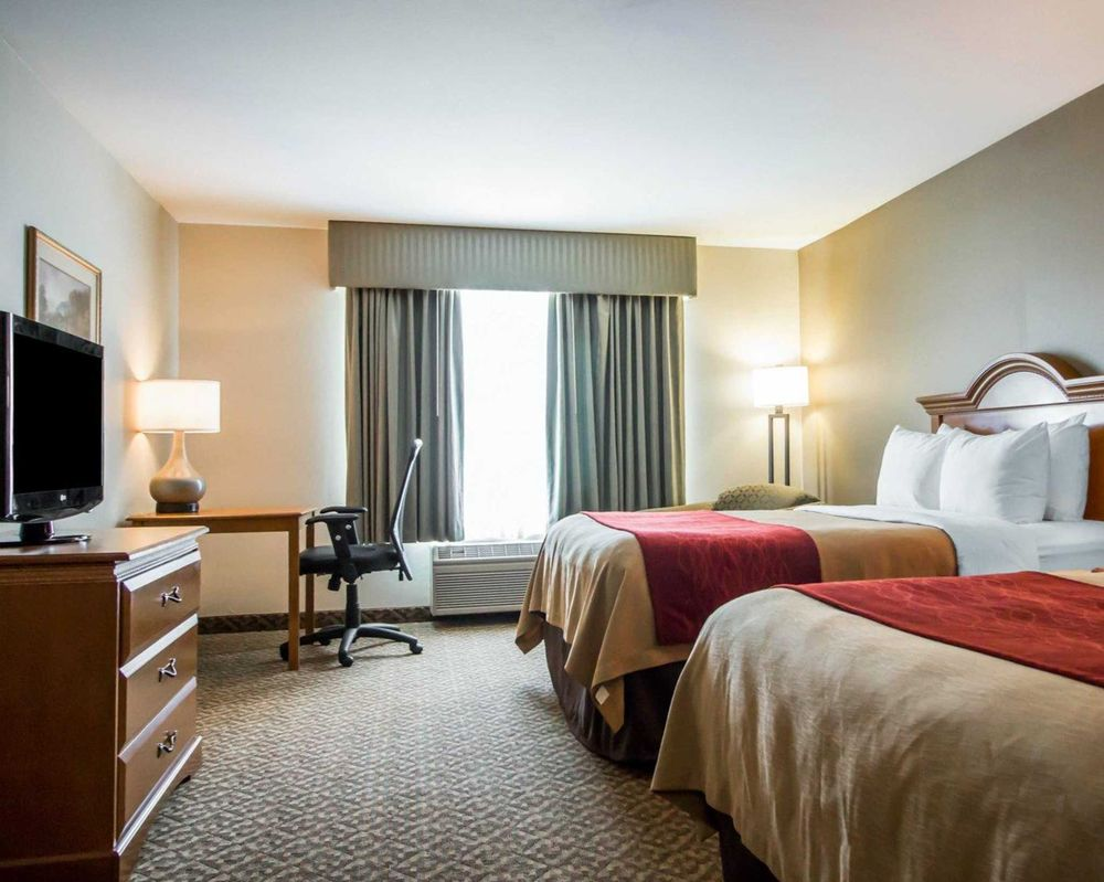 Comfort Inn & Suites: 1607 West 2nd St, Gillette, WY