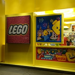 Lego store disneyland 10 photos magasin de jouets marne la vall e seine et marne yelp - Magasin marne la vallee ...