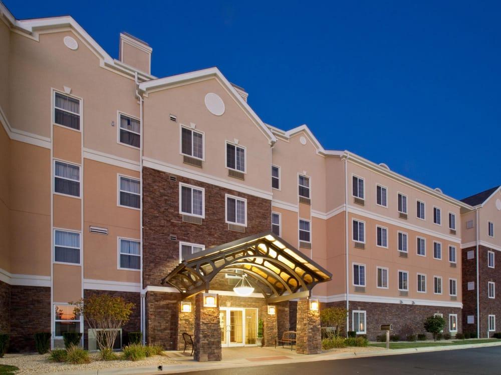 Staybridge Suites Rockford - Rockford