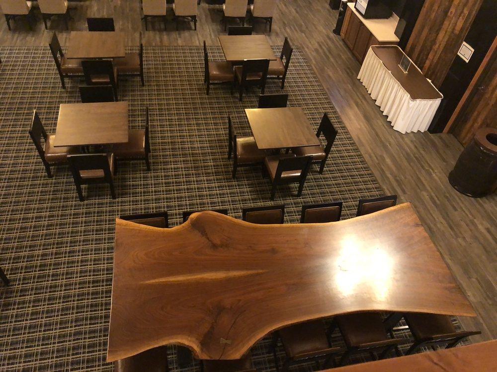 Holiday Inn Express & Suites - Hayward: 15586 County Rd B, Hayward, WI