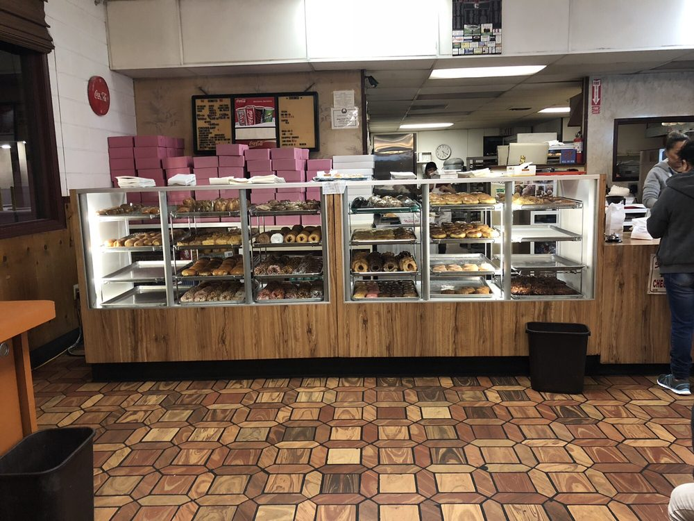 The Donut Country: 1716 N 11th Ave, Hanford, CA