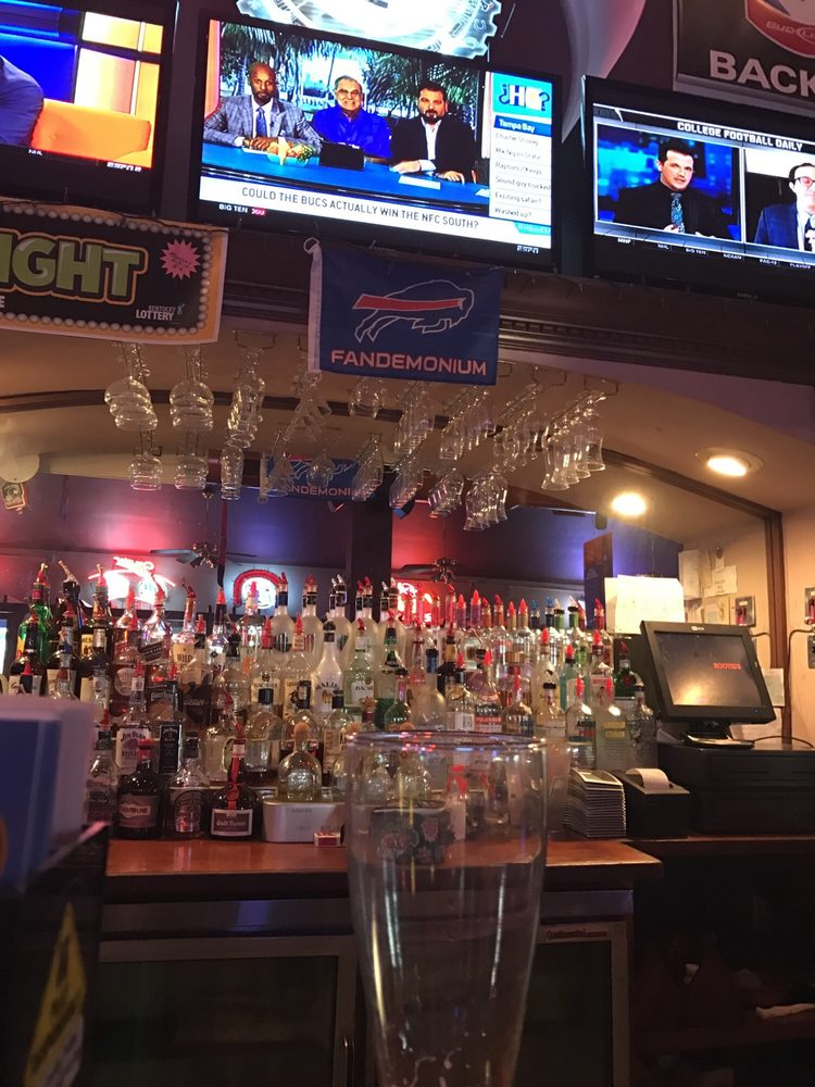 Rootie's Sports Bar & Grill: 12205 Westport Rd, Louisville, KY